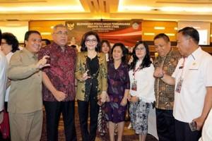 Bupati CEP Terima Penghargaan Anugerah Pangripta Nusantara
