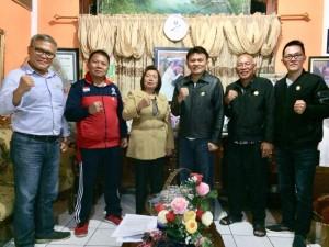 Ketua DPD LPM bersama para koordinator kecamatan usai menggelar rapat