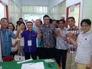 SBAN Liow didampingi istri dan tokoh-tokoh P/KB GMIM