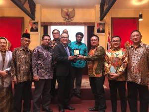 Para anggota DPD-RI dengan Dubes Tantowi Yahya