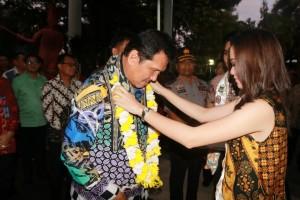 Menteri PAN-RB tiba di Bandara Sam Ratulangi Manado