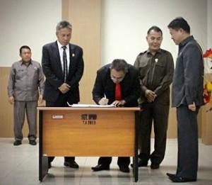 Rapat Paripurna Istimewa Penyampaian Keputusan DPRD Minsel Tentang Rekomendasi LKPJ Kepala Daerah Tahun Anggaran 20171