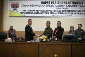 Rapat Paripurna Istimewa Penyampaian Keputusan DPRD Minsel Tentang Rekomendasi LKPJ Kepala Daerah Tahun Anggaran 20173