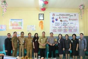 Wali Kota, Kapolres, Komisi III DPRD Tomohon  serta jajaran Dinas Dikbud dan sekolah