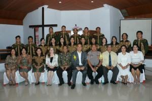 Wali Kota dan  Kapolres bersama Pelayan Khusus GMIm Damai Lahendong