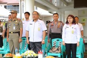 Sekretaris Kota Tomohon dan Kasat Pol PP serta pejabat lainnya