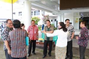Wali Kota Tomohon Jimmy F Eman SE Ak didampingi jajaran meninjau persiapan peresmian Mal Pelayanan Publik
