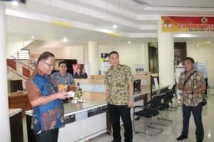 Wali Kota Tomohon memantau kesiapan peresmian Mal Pelayanan Publik