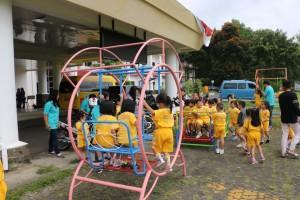 Taman bermain anak-anak di Kantor Pelayanan Publik Tomohon