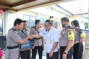 Sekretaris Kota Tomohon saat menghadiri Sertijab di Polres Tomohon