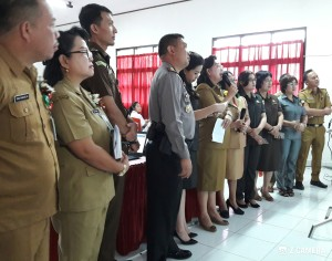 Kadis Dikbud Kota Tomohon Video Conference dengan Gubernur