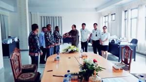 Djemmy Sundah SE menerima Kunker DPRD Keerom Papua