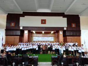Pengurus DPD LPM Kota Tomohon bersama Ketua DPRD dan Senator SBAN Liow
