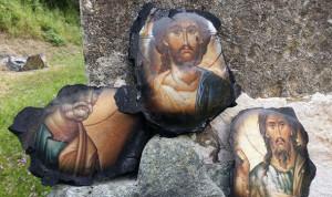Gereja Terbakar Hanya Foto Yesus dan Nabi yang Tidak Hangus