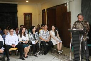 Sekretaris Kota Tomohon Ir Harold V Lolowang MSc MTh  membawakan sambutan