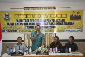 Wali Kota Tomohon Jimmy F Eman SE Ak membuka kegiatan