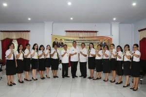 Wali Kota bersama peserta perempuan Diklat PIM IV