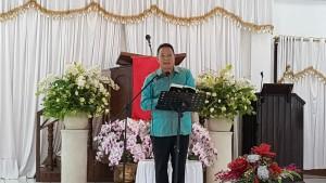 Wali Kota Jimmy F Eman SE Ak membaca mazmur sebagai peserta kehormatan