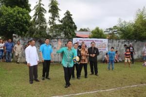 Wali Kota Tomohon membuka Kegiatan hapsa P/KB Wilayah Tomohon Empat
