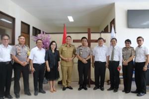 Kapolda didampingi Wali Kota Tomohon dan Kapolres Tomohon saat bertemu Ketua BPMS GMIM