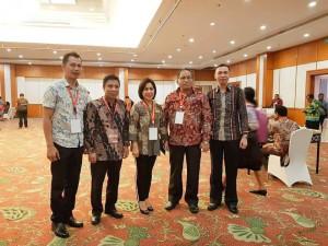 Ketua DPRD Tomohon bersama SEkretaris Darrah, Sekretaris DPRD dan Kabag Perekonomian