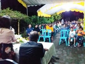 Masyarakat yang hair dan menyampaikan aspirasi di reses Ketua DPRD Tomohon IR Miky JL Wenur