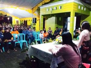 Ketua DPRD Tomohon Ir Miky JL Wenur memberikan penjelasan dalam reses