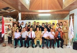 Foto sesudah pemilihan Pengurus LPM Kelurahan Walian