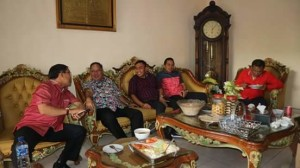 Bupati Minahasa Dampingi Gubernur Sulut Hadiri Lebaran Ketupat di Kampung Jawa
