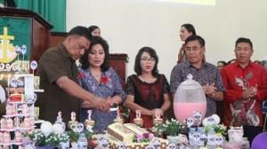 Olly Dondokambey Bersama Royke Mewoh Hadiri HUT ke-156 GMIM Pniel Kaweng