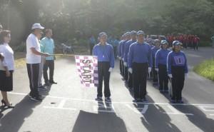 Wali Kota Tomohon melepas peserta lomba gerak jalan