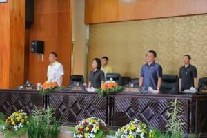Ketua DPRD, Wakil Ketua DPRD dan Wali Kota Tomohon, serta Sekretaris DPRD