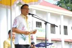 Wali Kota Tomohon Jimmy F Eman SE Ak memimpin Apel