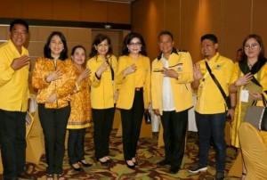 Ketua DPD Partai Golkar Tomohon bersama Ketua DPD Partai Golkar Sulut dan Fungsionaris Golkar
