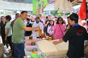 Wali Kota meninjau ketersediaan bahan pokok di Pasar Tradisional Beriman