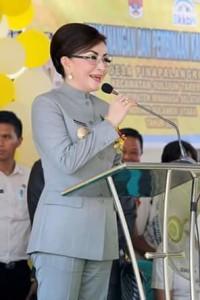 Christiany Eugenia Paruntu, Desa Pinapalangkow