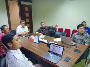 Wali Kota Tomohon saat membahas rencana kegiatan