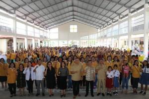 Wali Kota, Ketua DPRDS, Anggota DPD-RI bersama kader kesehatan se-Kota Tomohon