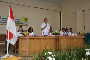 Wali Kota Tomohon JImmy F Eman SE Ak memberikan pengarahan