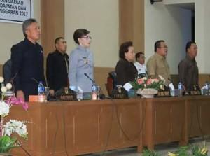 Rapat Paripurna Pertanggung Jawaban Pelaksanaan APBD Tahun Anggaran 2017 DPRD Minsel2