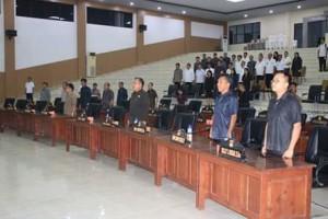 Rapat Paripurna Pertanggung Jawaban Pelaksanaan APBD Tahun Anggaran 2017 DPRD Minsel3