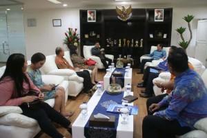 Komisioner Ombudsman RI .Dadan Suparjo Suharmawijaya SIP MSI,  DR Ir GS Vicky Lumentut