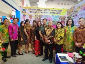 pejabat Tomohon dan Provinsi Sulut  di Stand Pameran
