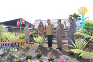 Wali Kota, Camat, kabag Humas , kasubag POrotokol serta Lurah Woloan Satu Utara
