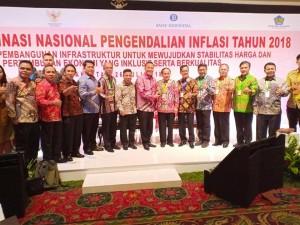Wali Kota Tomohon Jimmy F Eman SE Ak menghadiri Rakornas  Tim Pengendalian Inflasi Daerah