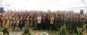 Wali Kota, Ketua DPRD bersama Perangkat Kelurahan dan Linmas