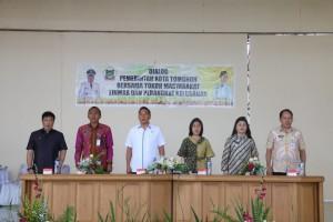 Wali Kota, Ketua DPRD dan pejabat pemkot Tomohon saat dialog dengan Perangkat Kelurahan dan Linmas