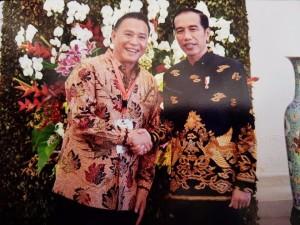 Wali Kota Tomohon Jimmy F Eman saat bertemu Presiden Joko Widodo