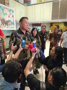Wali Kota Tomohon Jimmy F Eman SE Ak diwawancarai usai Leader's Talk