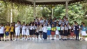 Pserta lomba melukis tingkat SMP dan jajaran Dinas Lingkungan Hidup Kota Tomohon